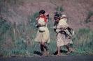 Índias caminhando na reserva